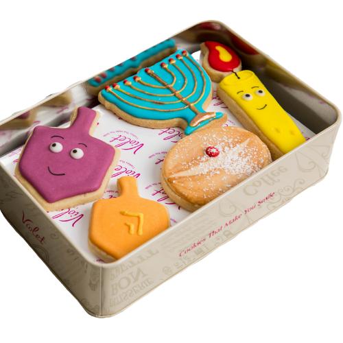מארז עוגיות מעוצבות לחנוכה קופסת פח