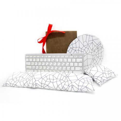 סט משרדי מעוצב- המתנה המושלמת לחג מבית Emma Hansson