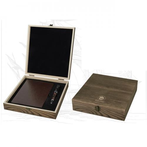 מארז מתנה מעץ עם מקום ליומן ועט מבית גבעוני