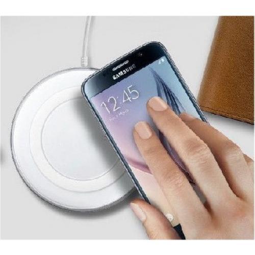 מטען אלחוטי לטלפון עם מנגנון הגנה פנימי נגד התחממות יתר