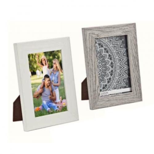 מסגרת לתמונה עשויה עץ