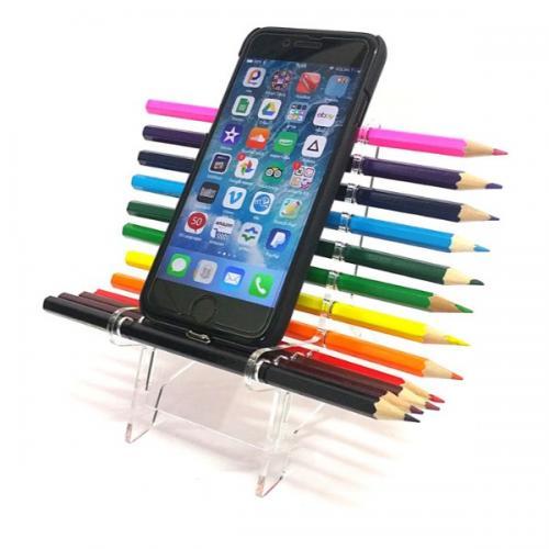 מעמד כסא עפרונות עם עפרונות צבעוניים