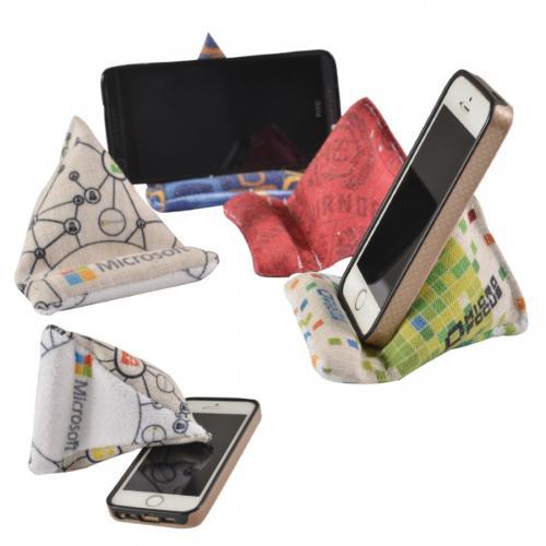 מעמד פוף לטלפון נייד עם מנקה מסך - בעיצוב אישי מבית EMMA HANSSON