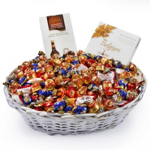 סלסלת שוקולדים ענקית במיוחד