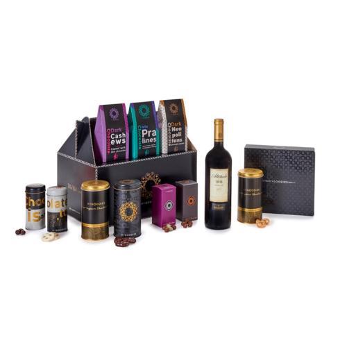 """מארז מתוקים מפנק, יופיטר B, הכולל יין אדום, קברנה סובניון, סדרת הפרימיום אלטיטוד 808, יקב """"ברקן"""""""