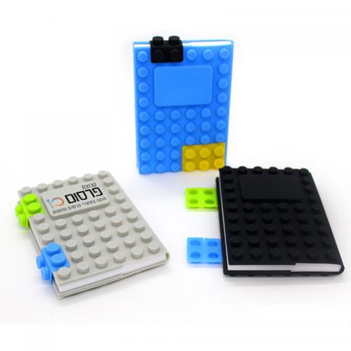 מחברת LEGO בצבעים מדליקים