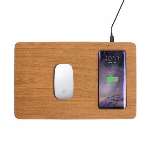 פד דמוי עץ לעכבר מחשב עם אפשרות טעינה אלחוטית