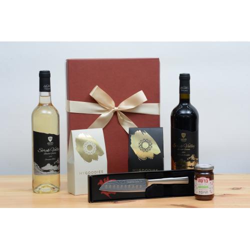מארז יינות שוקולד חרוסת וסכין לחג