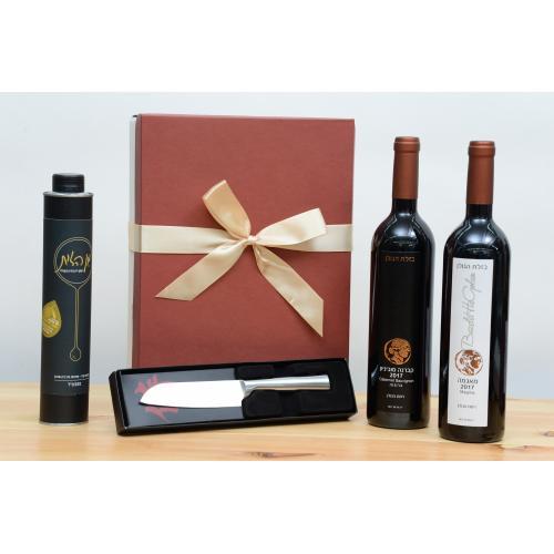 מארז יין אדום יין לבן שמן זית וסכין לחג