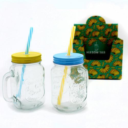 זוג כוסות זכוכית מעוצבות עם מכסה וקשית