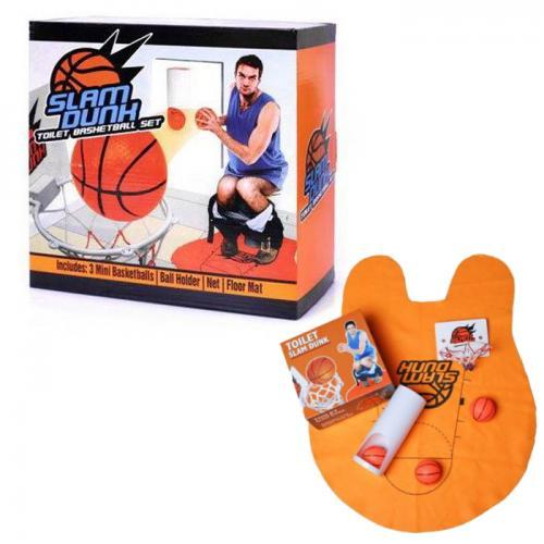 משחק כדורסל עם מגרש שטיח לרצפה