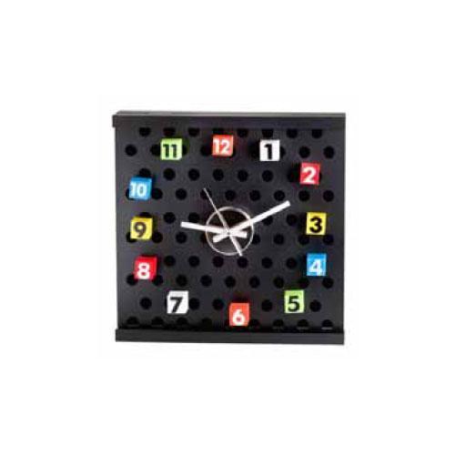 שעון קיר עם מספרים מגנטיים ניתנים לשינוי