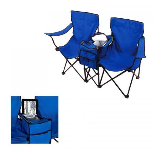 זוג כסאות מתקפלים וצידנית