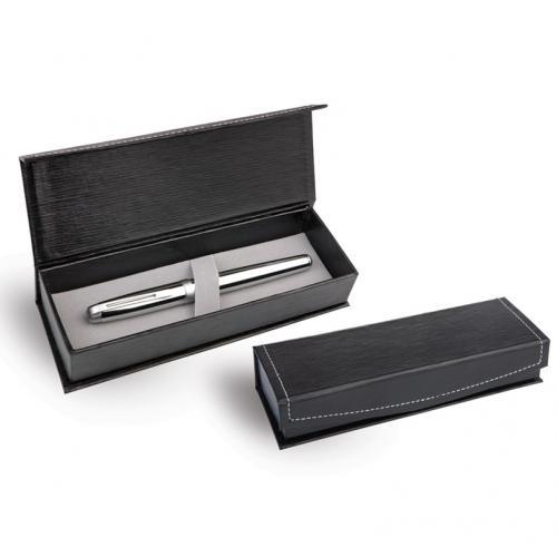 קופסת עטים בעלת גימור מחוספס