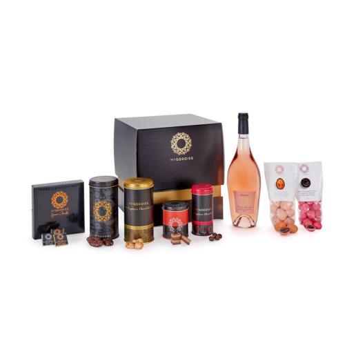 מארז מתוקים מפנק במיוחד, סטאר C, הכולל יין גרי דה מרסלאן, כרם מנרה, יין פירותי ופרחוני, מבושם ועדין במיוחד